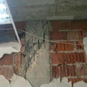 Rotura por cortante en cabeza de pilar debida a biela diagonal de compresión por sismo